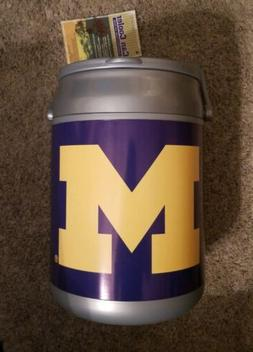 """Picnic Time Can Cooler """"Michigan Wolverines"""""""