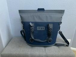 Yeti Hopper Two 30 Soft Cooler - Gray / Blue
