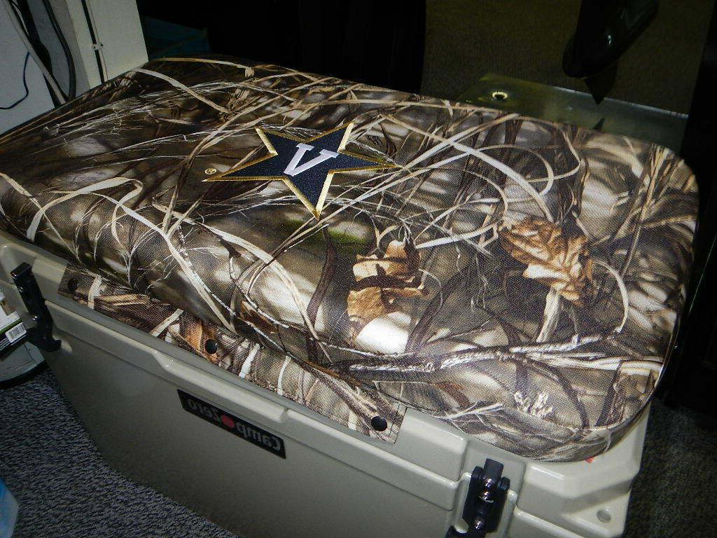65 qt and others cooler cushion camo